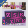 Kép 27/27 - Színes neves kocka - szürke és pink