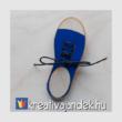 Sulicsomag_cipőfűzést_tanuló